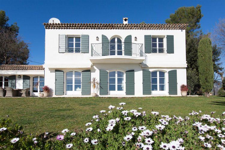 Villa Constantins exterior