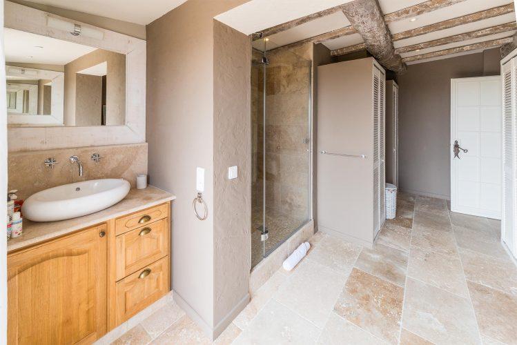 Villa Menuse bathroom 4