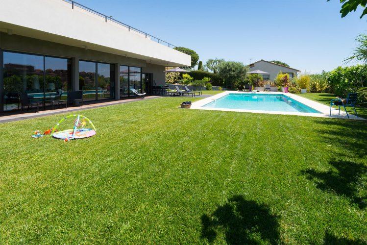 Villa Épure garden