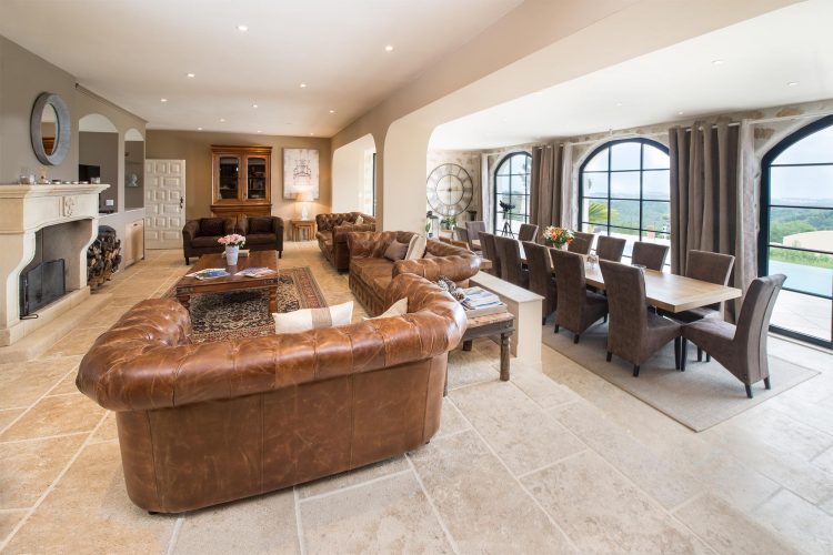 Villa Menuse sitting room