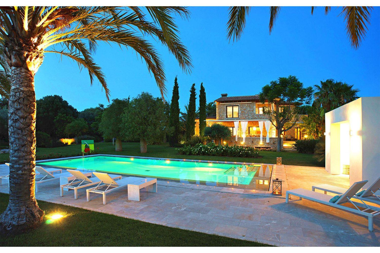 Villa Llenaire exterior
