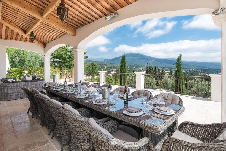 Villa Menuse terrace