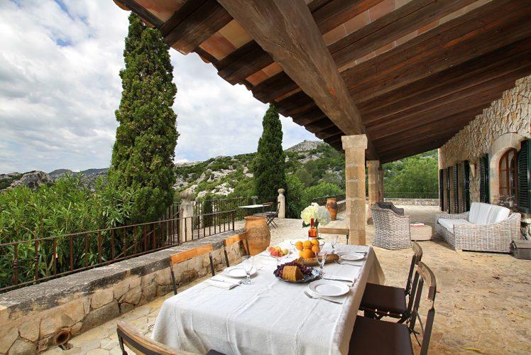 Villa Can Tramuntana terrace