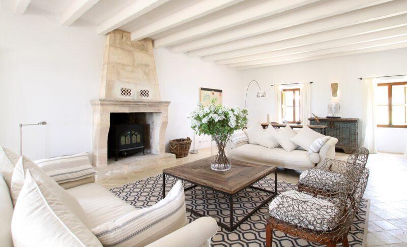 Villa Can Tramuntana sitting room