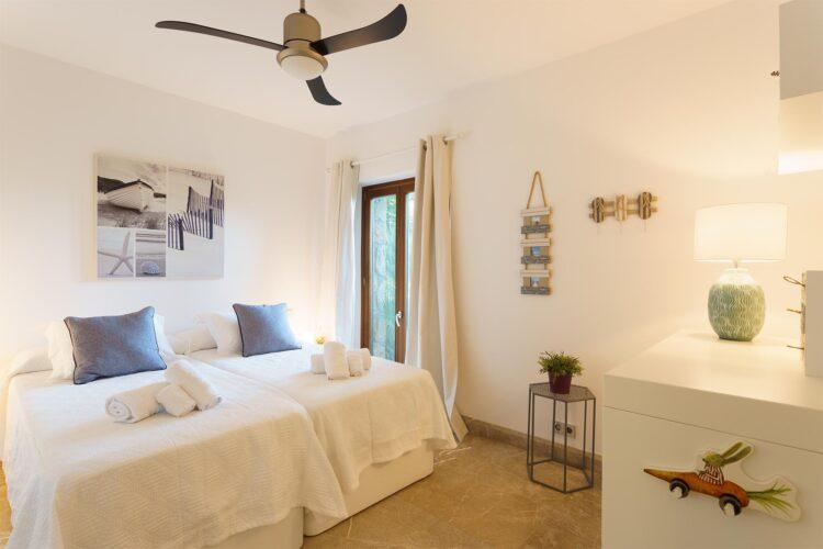 Villa Llenaire bedroom 2