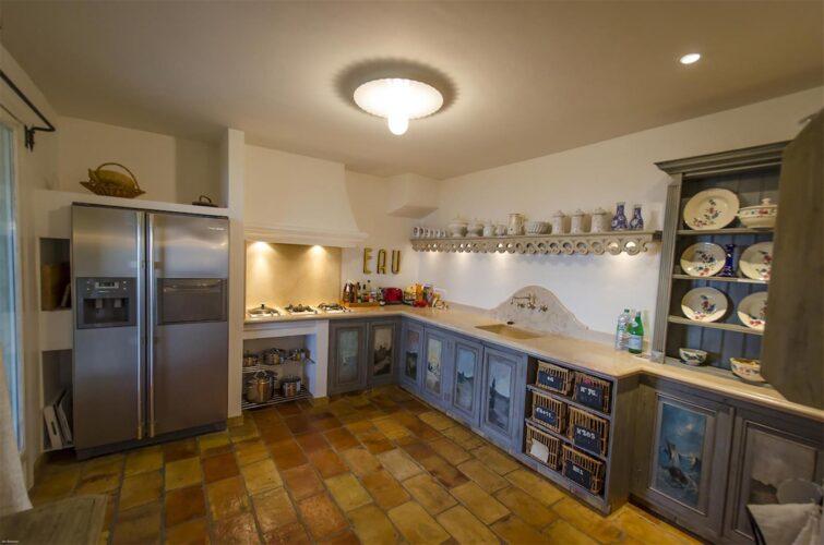 Villa La Bastide des Virettes kitchen